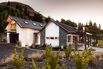 Envira Weatherboard System - Scenery Stunner in Queenstown. Image: 9