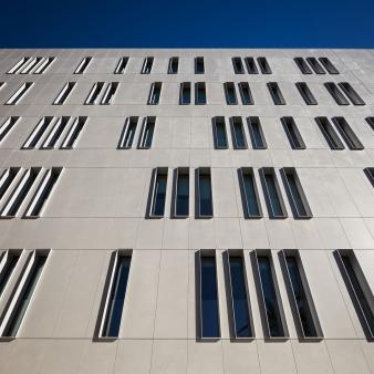 Fachada edificio Cajamar - Dekton Sirocco 3. Image: 42